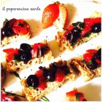 BRUSCHETTE FRAGOLE E OLIVE NERE……..ESTATE !?!
