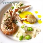 BlogTour #trentinograppa – Scampi e capesante alla grappa con insalata di asparagi bianchi e fave su crema di curcuma