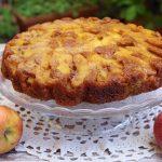 Torta rovesciata con mele al caramello