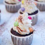 Cupcakes al cioccolato con frosting al mascarpone (senza uova!)
